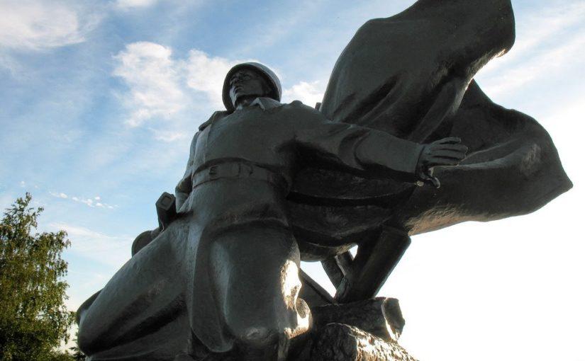 памятник Матросову